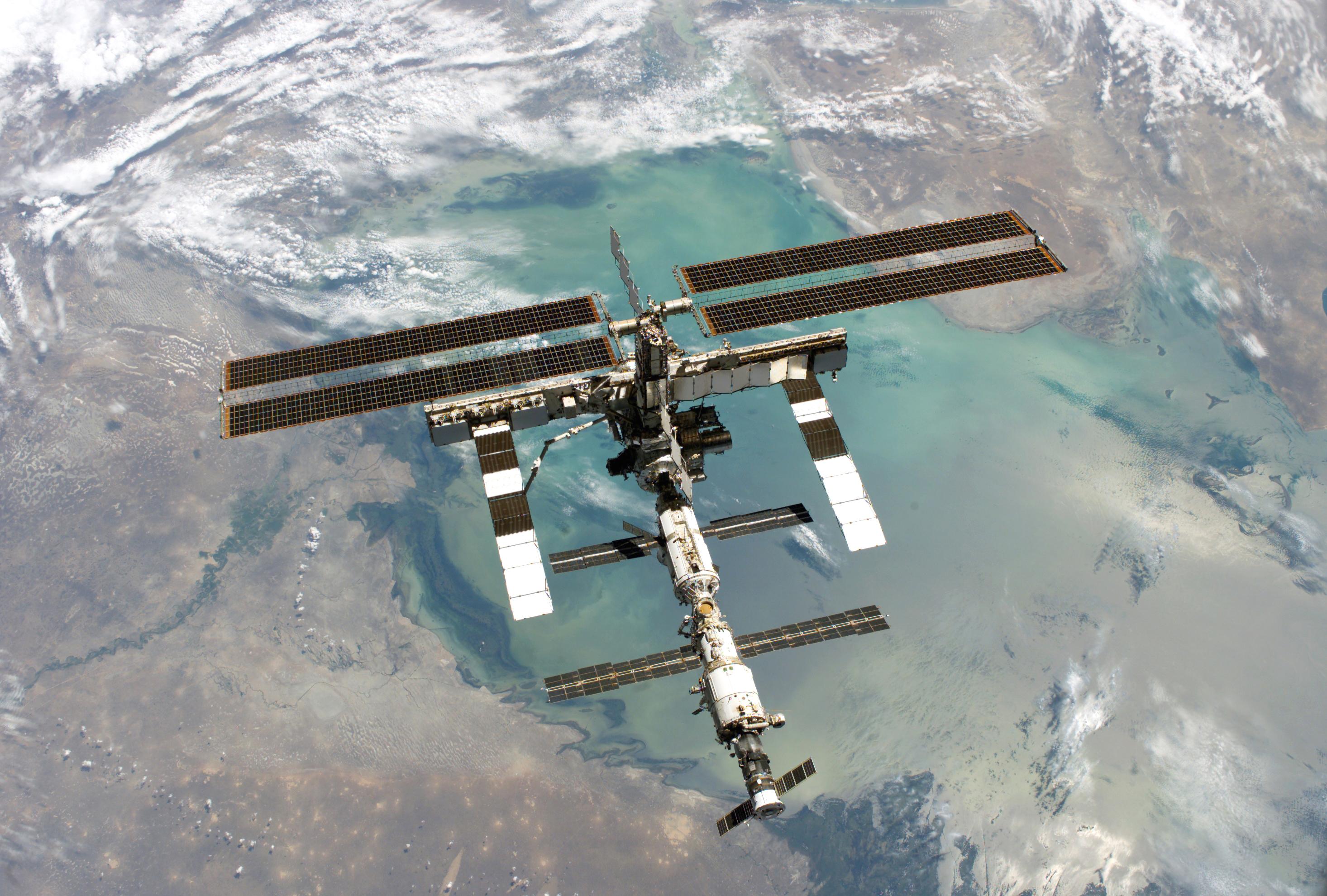 » International Space Station @HarrisonRuess
