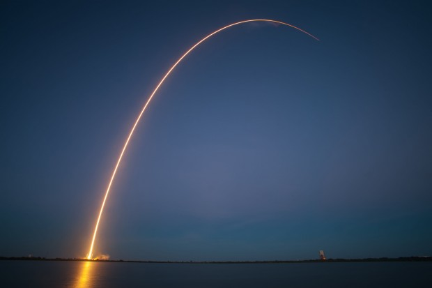 Time-lapse of SpaceX's Falcon 9 SES-8 launch
