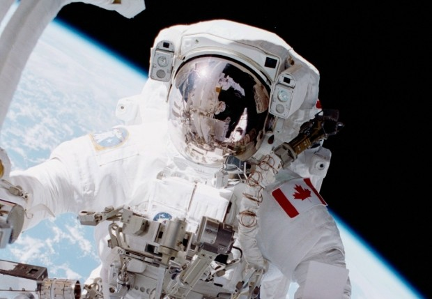 Chris Hadfield on the first Canadian spacewalk on April 22, 2001. (Credit: NASA)