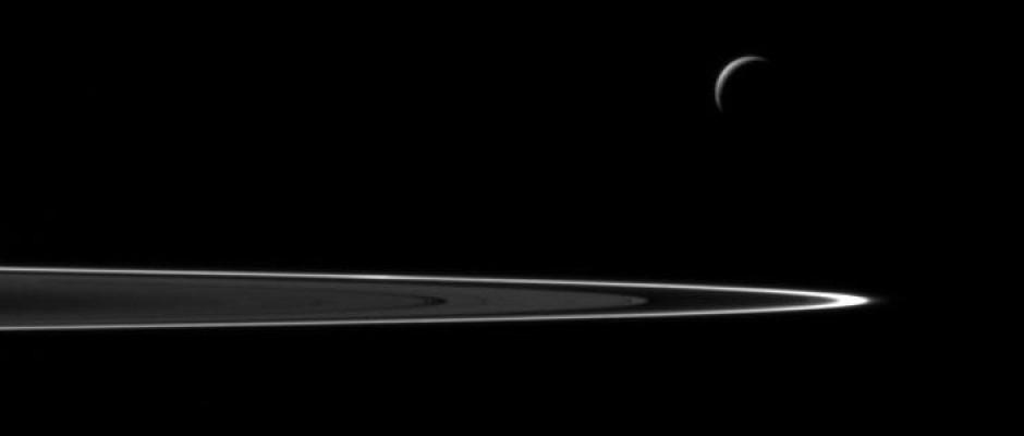 feat-enceladus-ring